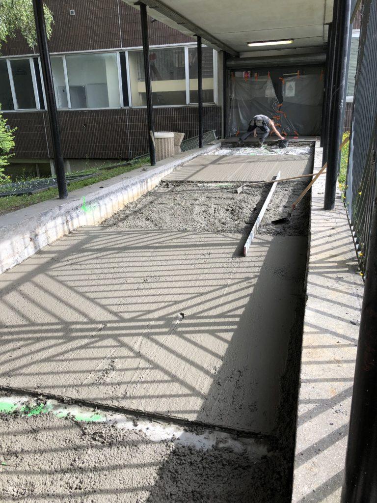 Dallage rampe béton conforme 1/2- IUT